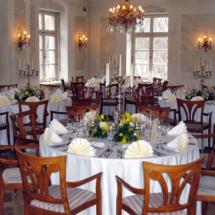 StuhlHussenWorld ohne Stuhlhussen nur Tischdekoration